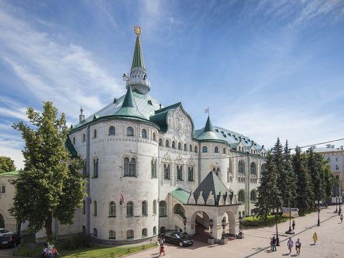 Сказочный дворец на Покровке: как выглядит госбанк изнутри?